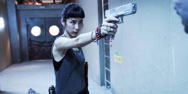 《第九分局》温貞菱一鏡到底戰七惡鬼,劇組封「百鬼斬女殺手」