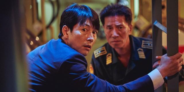 《鋼鐵雨:深潛行動》韓國青龍獎影帝鄭雨盛飾演南韓總統遭綁架到北韓核子潛艦,戰爭一觸即發