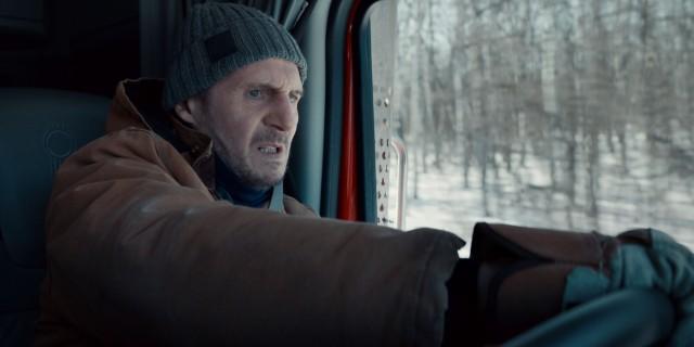 億萬巨星連恩尼遜在新片《疾凍救援》不止要爽快痛毆殺手、更要在大自然恐怖力量下突破重圍